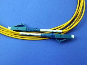 FPK-LC-LC-sm-sp-2, LC-LC патч-корд одномодовый 2м (Simplex)