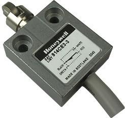 914CE3-3, Выключатель концевой 5А 240В роликовый плунжер SPDT IP68 0.9м каб