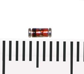BZV55C12, Стабилитрон 12В, 5%, 0.5Вт, MiniMELF