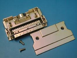 MDI-68M, Разъем Micro D-SUB 68 контактов, вилка на кабель с корпусом, зажим