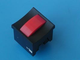 PSM2-0-R-B, Кнопка мини без фиксации, красная в черном корпусе