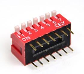 Фото 1/2 DS1040-07RT, DIP переключатель 7pin угловой красный