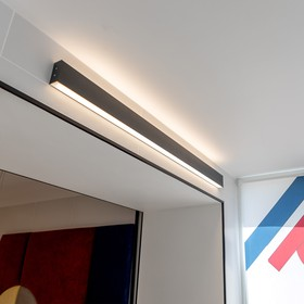 Фото 1/3 101-100-40-78 / Линейный светодиодный накладной двусторонний светильник 78см 30W 3000K черная шагрень