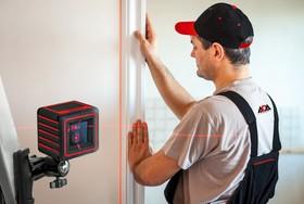 Фото 1/21 Построитель лазерных плоскостей ADA Cube Home Edition (построитель, батарея, крепление универсальное-зажим, инструкция, мягкая сумка)
