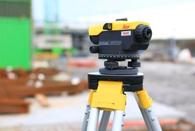 Нивелир оптический Leica Na324 с поверкой