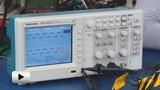 Смотреть видео: TDS1012В осциллограф цифровой, 2 канала x 100МГц