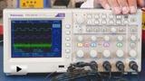 Смотреть видео: TDS2014C осциллограф цифровой, 4 канала x 100МГц