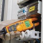 Фото 2/2 T6-1000, Электрический тестер для измерения напряжения, силы тока и частоты с технологией FieldSense
